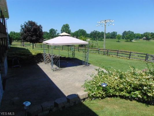 Luxury properties 106 acre horse property