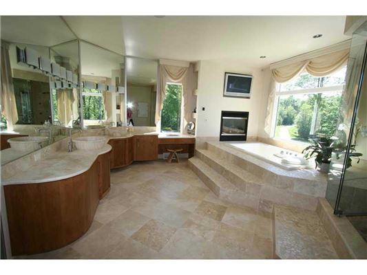 Luxury homes in prestigious estate in Southwest Millcreek