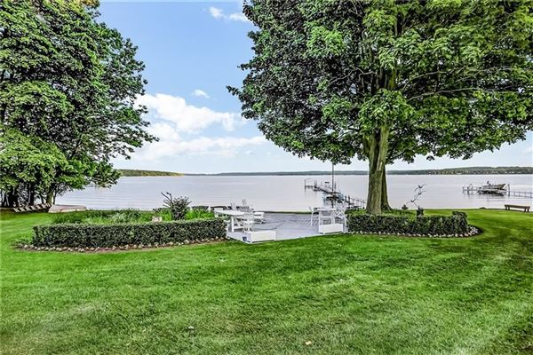 Exceptional lakefront estate in Chautauqua luxury homes