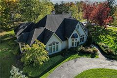 Mansions beautifully detailed home in lewiston heights