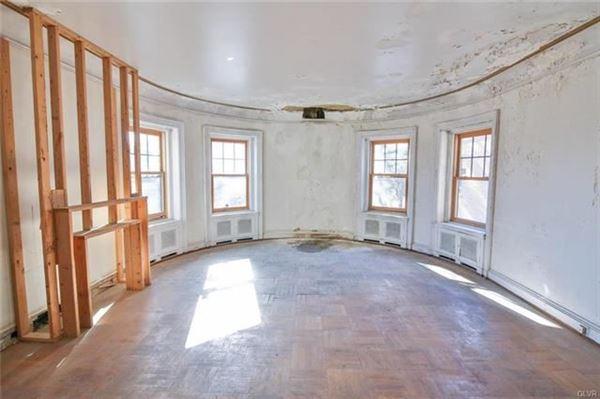 Luxury properties grand historic mansion