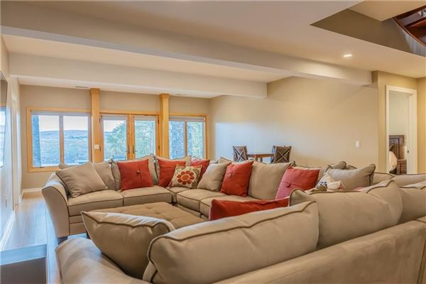 Mansions THE EPITOME OF LUXURIOUS CANANDAIGUA LAKE LIVING