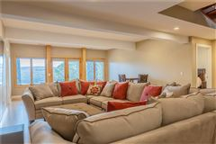 Luxury homes THE EPITOME OF LUXURIOUS CANANDAIGUA LAKE LIVING