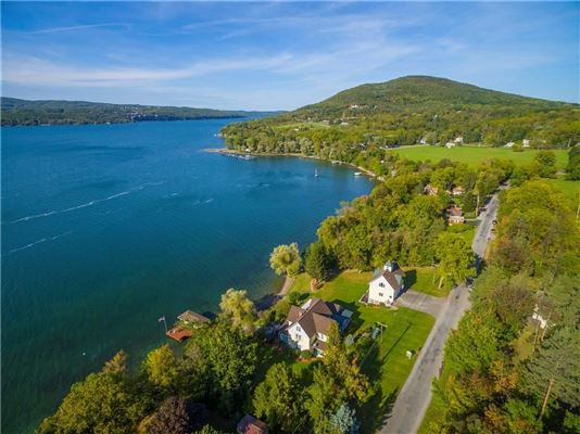 Luxury real estate a showcase of ultimate lake living