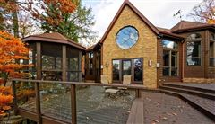comfortable living at the lake luxury properties