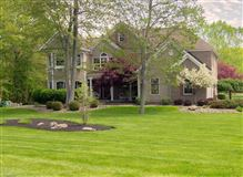 Mansions in this beautiful well built home is in a fantastic location