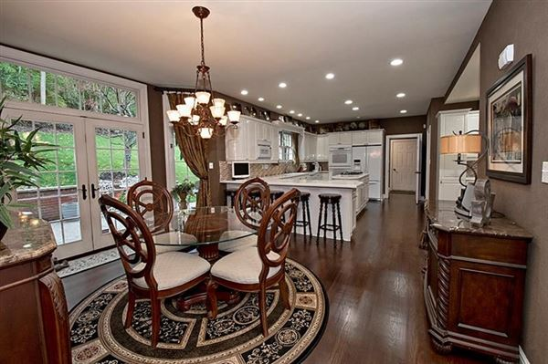 Luxury real estate fabulous colonial home
