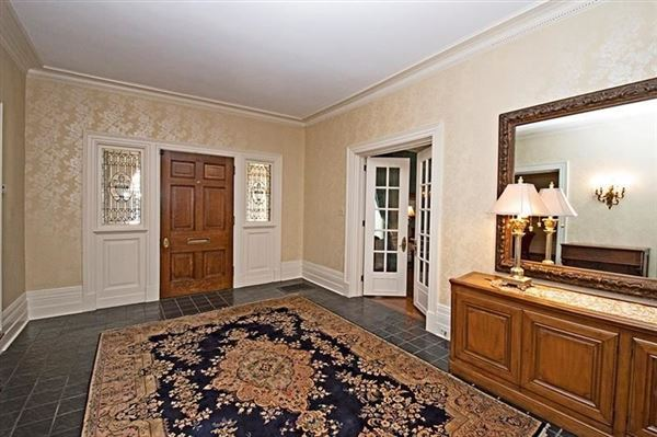 Exquisite Turn of The Century Greek Revival home luxury homes