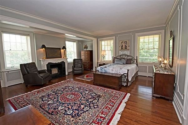 Mansions in Exquisite Turn of The Century Greek Revival home