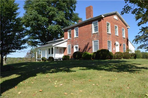 amazing century farmhouse luxury properties