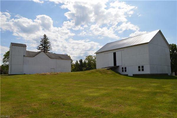 amazing century farmhouse luxury homes