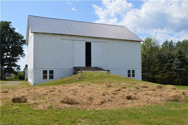 amazing century farmhouse luxury real estate
