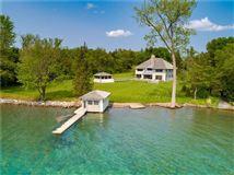 Luxury properties Magnificent Skaneateles waterfront estate