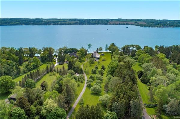 Luxury homes Magnificent Skaneateles waterfront estate