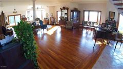 Luxury homes spectacular home in Wellsboro