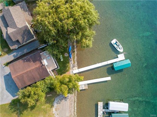 Skaneateles Lakefront living luxury properties
