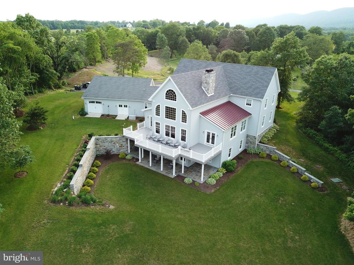 Luxury real estate Majestic Country Living in carlisle