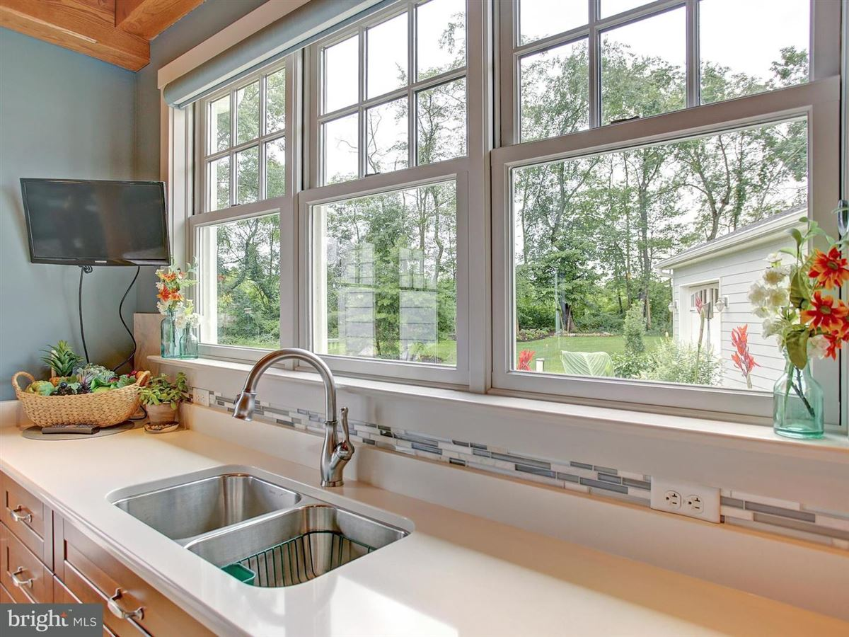 Majestic Country Living in carlisle luxury homes