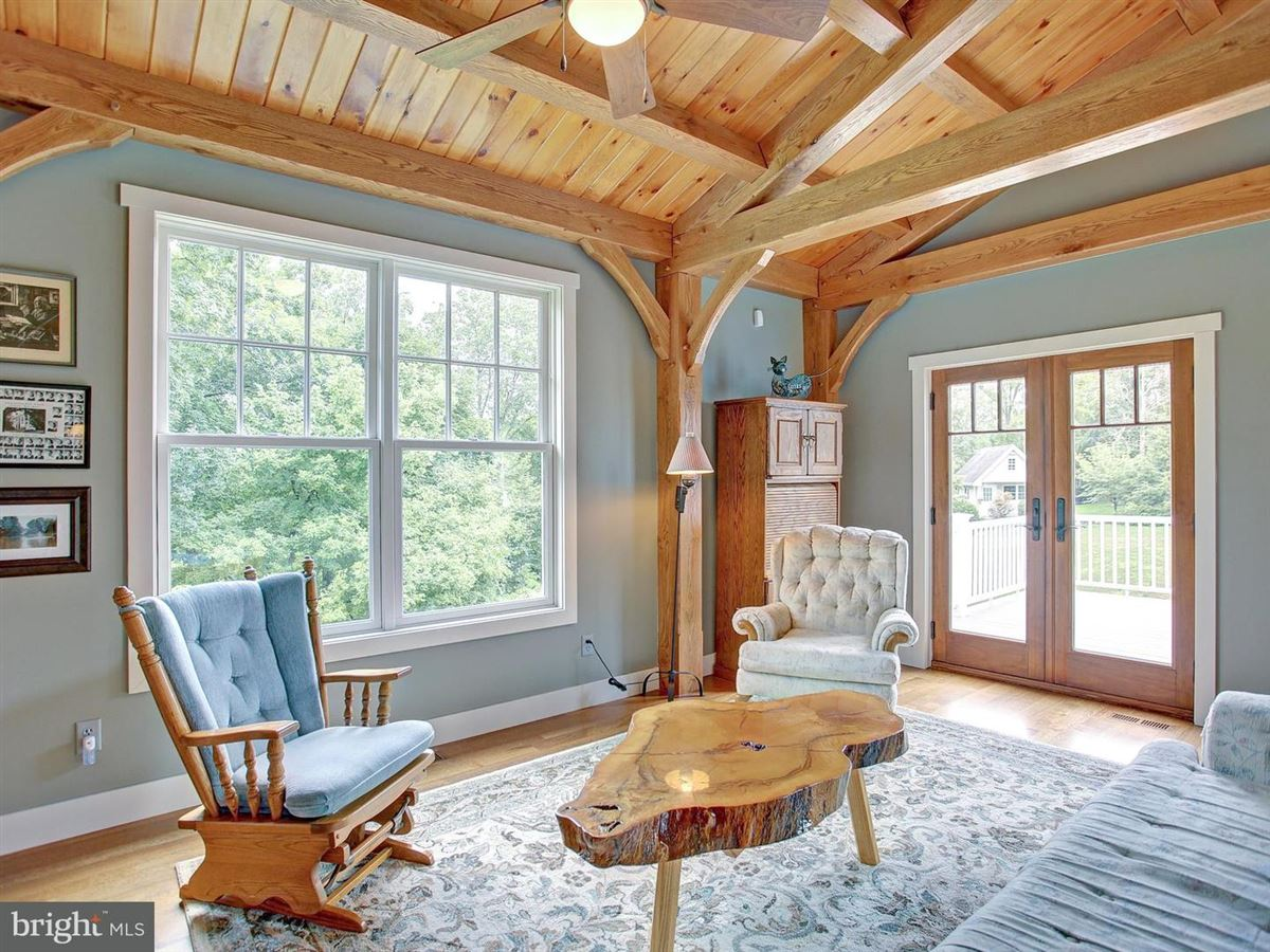 Majestic Country Living in carlisle luxury real estate