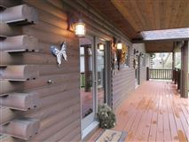 Luxury homes stately and spcaious lakefront log cabin