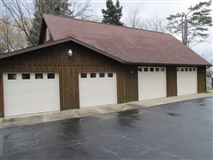 Luxury real estate stately and spcaious lakefront log cabin