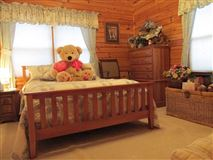 Luxury properties stately and spcaious lakefront log cabin