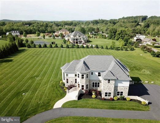 Mansions Gorgeous custom home nestled on threeacres in Derry Township