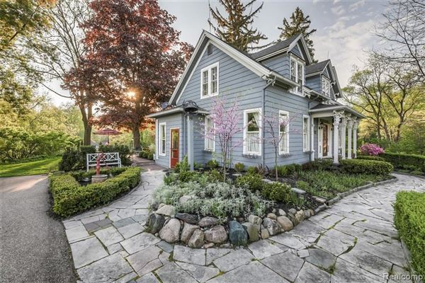 Mansions carefully refreshed 1840s Victorian Farmhouse