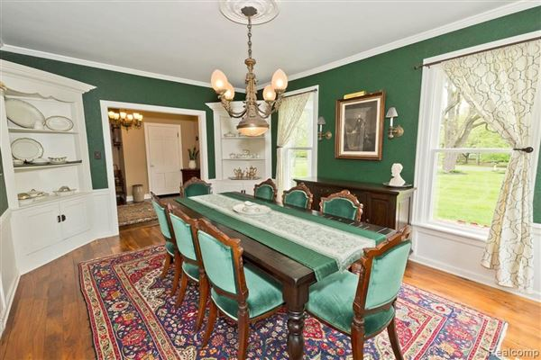 Luxury real estate carefully refreshed 1840s Victorian Farmhouse