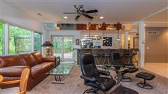 Luxury properties Private and serene contemporary home