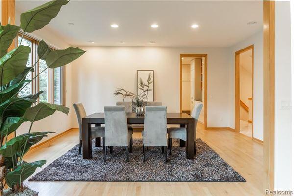 Mansions in Amazing North Wabeek custom home