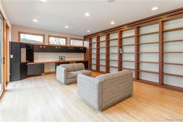 Amazing North Wabeek custom home luxury properties