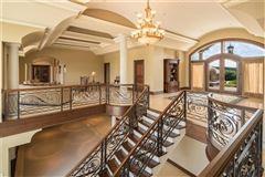 Vale Vista mansions
