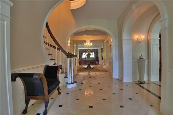 Luxury homes iconic shaker heights home