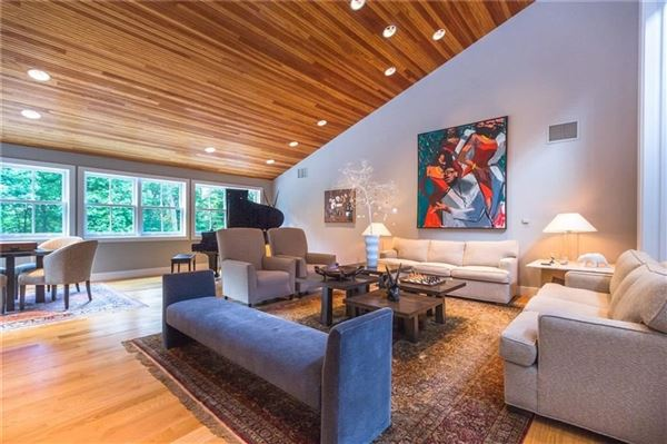Luxury homes charming Village of Sewickley