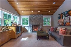 Luxury homes in charming Village of Sewickley