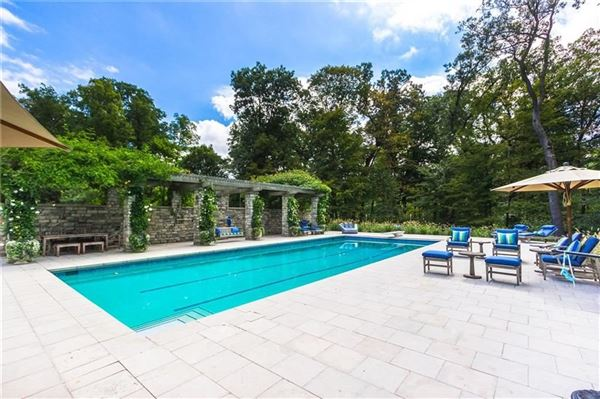 Luxury real estate charming Village of Sewickley
