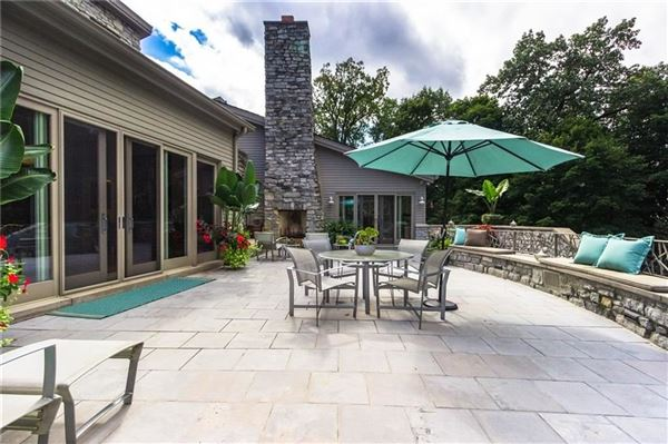 charming Village of Sewickley luxury real estate