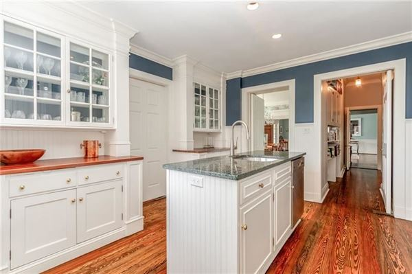 Luxury real estate classic historic colonial on 42 acres