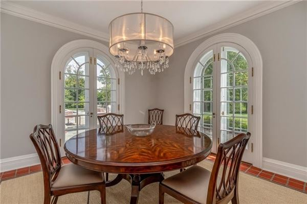 classic historic colonial on 42 acres mansions