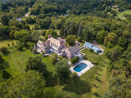 Mansions classic historic colonial on 42 acres