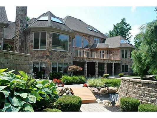 Luxury homes A Prestigious Estate in millcreek