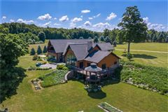 Secluded Nature Retreat on 131 Acres luxury properties
