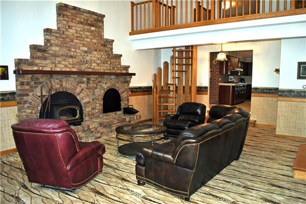 An Equestrian NE Contemporary Estate luxury real estate