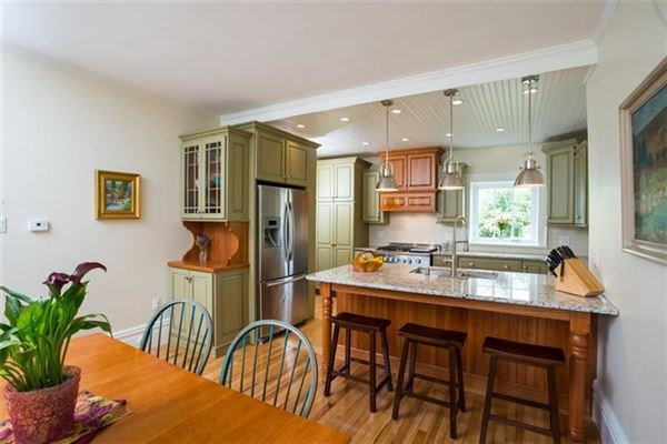Luxury homes 1850 residence and historic 256 acre working farm