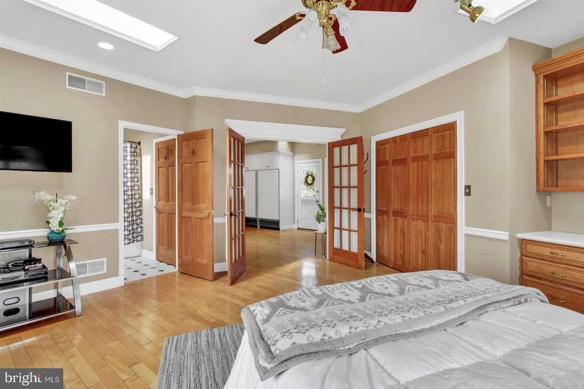 Spacious and flexible living in a special private location luxury properties