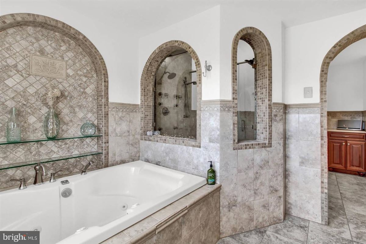 Spacious and flexible living in a special private location luxury homes