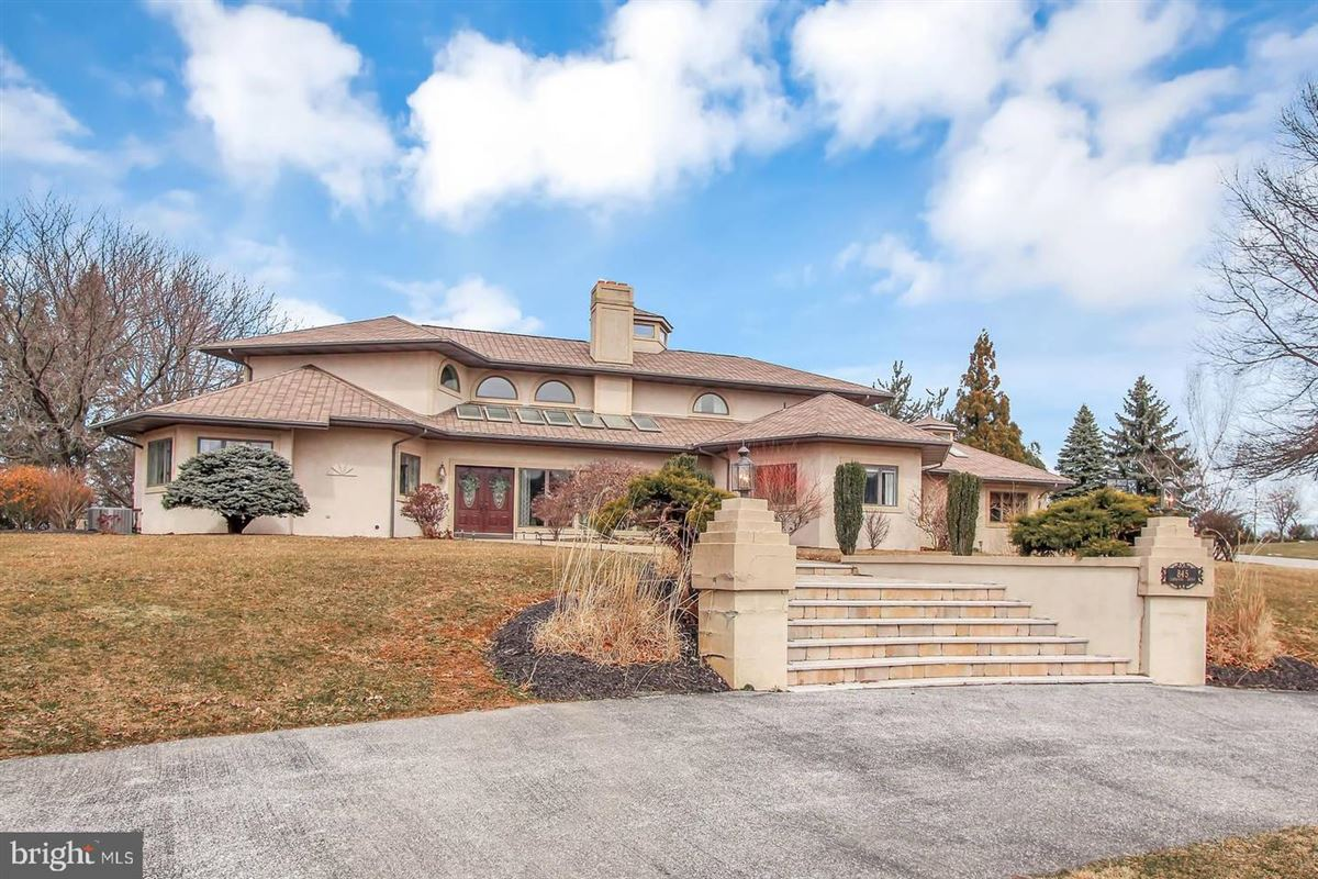 Spacious and flexible living in a special private location luxury real estate