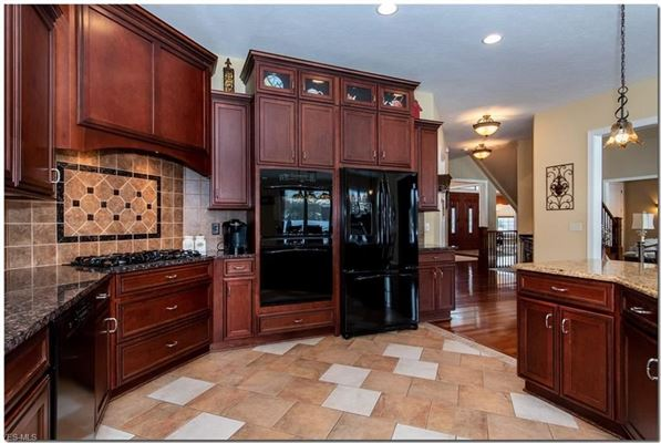 Luxury real estate gorgeous home in prestigious Estates of Canterbury