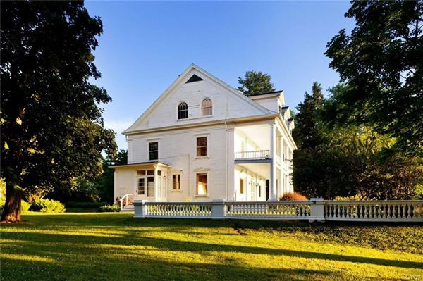 Luxury homes Brook Farms
